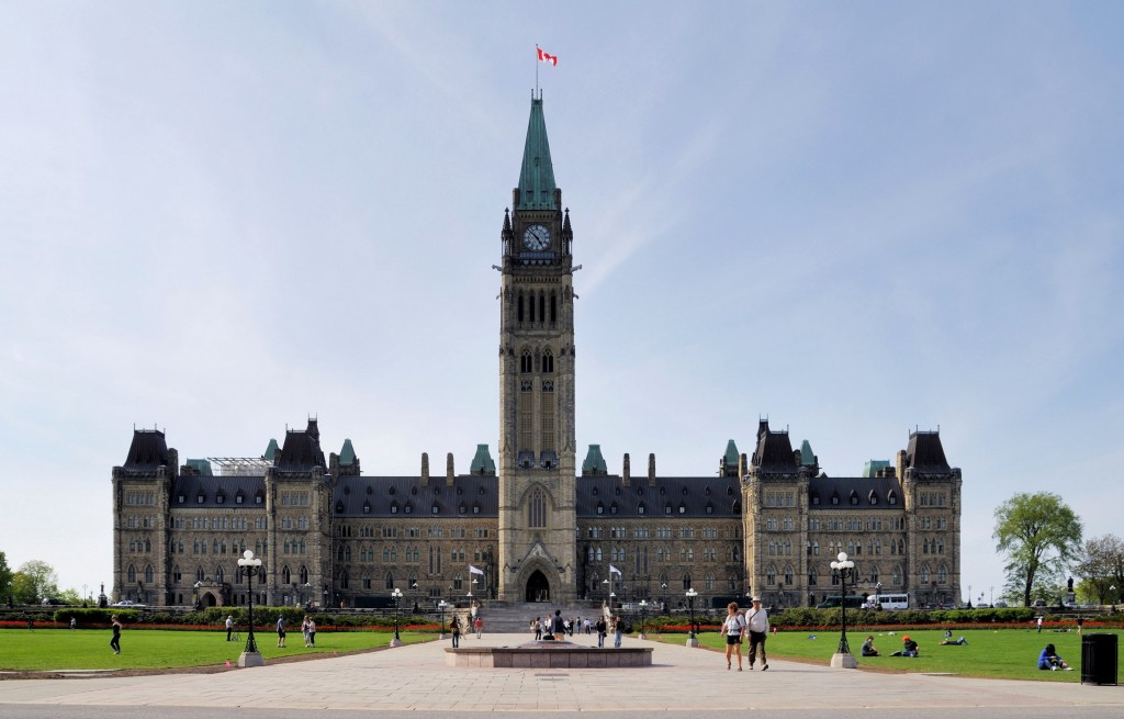 Ottawa_-_ON_-_Parlamentsgebäude_(Centre_Block)